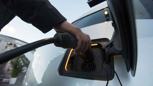 Electric Vehicles the new rave of automobile industry